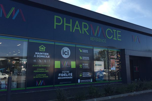 """Aucun médicament ne peut plus être vendu dans cette officine sous peine de poursuite pour """"exercice illégal de la pharmacie"""""""