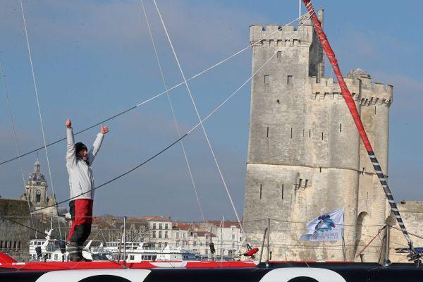 Malgré les restrictions sanitaires, les Rochelais étaient venus nombreux accueillir le vainqueur du Vendée Globe.
