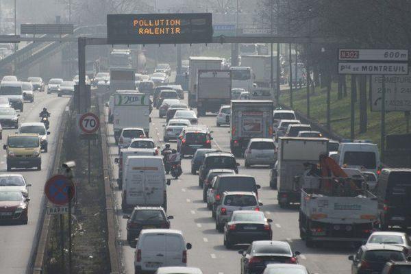 Pollution sur le périphérique parisien, le 18 mars 2015.