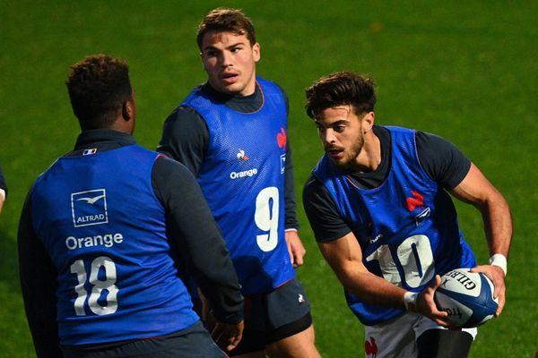 En stage préparatoire comme en match du Tournoi des VI nations les clubs du Top 14 ont trouvé un accord pour mettre leurs meilleurs joueurs à la disposition du XV de France.