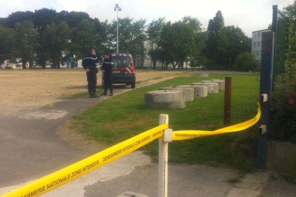 Gendarmerie sur les lieux de découverte du cadavre à Auray