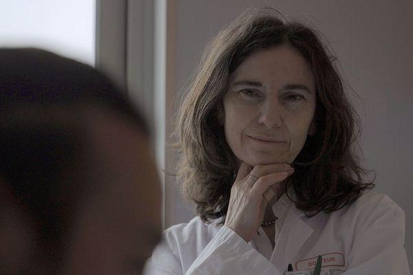 Pour soulager les malades, Frédérique Arndt s'intéresse aux médecines non conventionnelles.