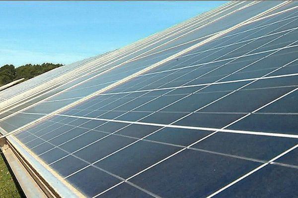 La ferme solaire de Figanières (83) fournit en électricité 10000 habitants de Draguignan.