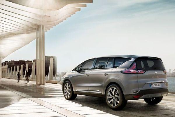 Le Nouvel Espace, de Renault, mélange les genres. Un vrai cross-over familial et haut-de-gamme !