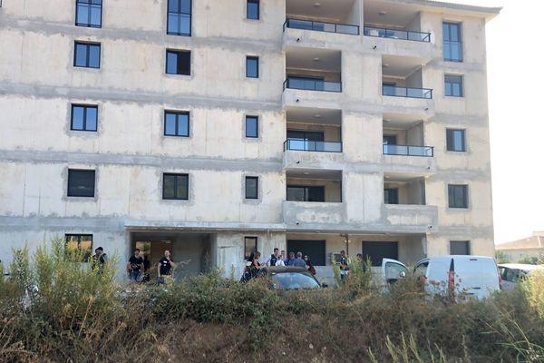 Un homme a été retrouvé mort, ce lundi 16 septembre, au niveau de la résidence les jardins d'arsilone à Furiani.
