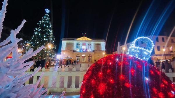 Saint-Dizier s'illumine et inaugure les fêtes de fin d'année.