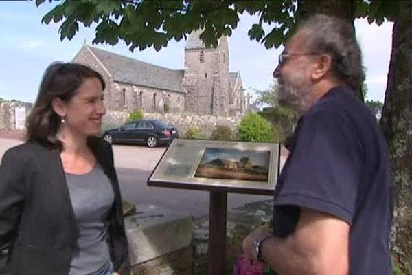 Greville-Hague (Manche), les reproductions des tableaux de Jean-François Millet jalonnent la visite du village