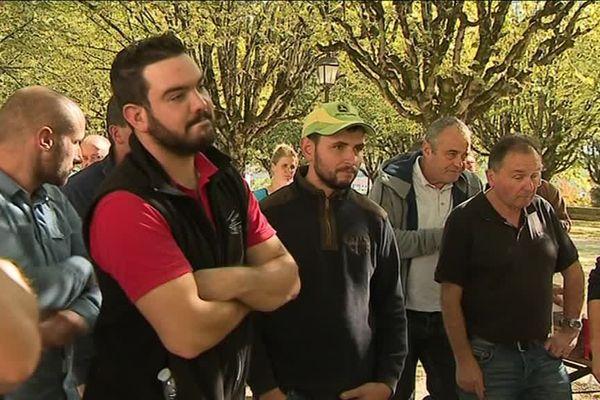 Les agriculteurs manifestaient ce 8 octobre devant la préfecture de Dordogne