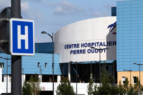 Dix patients atteints du Covid-19 sont pris en charge au centre hospitalier Pierre-Oudot de Bourgoin-Jallieu au mardi 15 septembre. (Illustration)