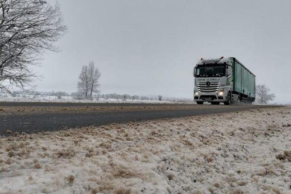 Les routes du Massif Central à nouveau sous surveillance pour un risque de neige et de verglas.