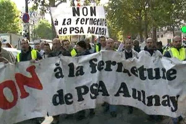 A l'appel de la CGT une partie du personnel a choisi aller manifester devant le siège du groupe automobile à Paris.