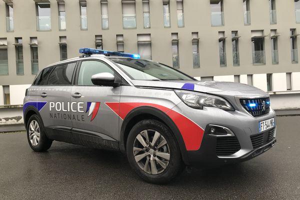 7 Peugeot 5008 ont été livrées à la police de Nantes.