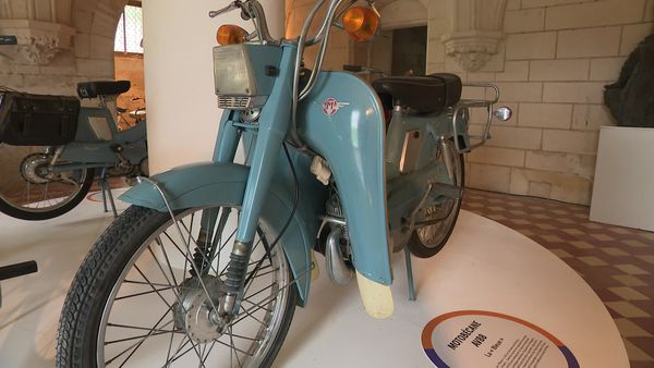 """la """"Bleue"""" Motobécane AV88"""