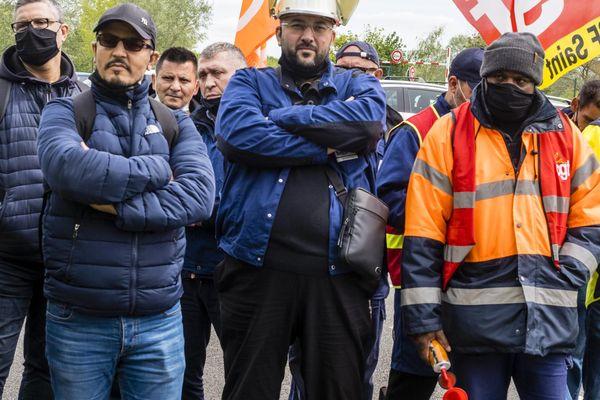 20 mai 2021, 150 salariés des Fonderies MBF de Saint-Claude, Jura, des Fonderies de Bretagne et des Fonderies du Poitou bloquent l'entrepôt Renault de pièces détachées à Villeroy dans l'Yonne.