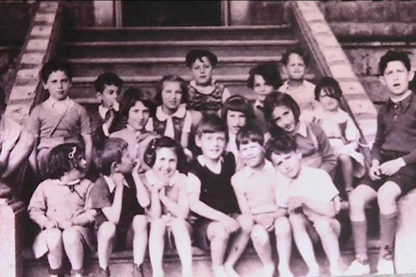 Des enfants juifs cachés pendant la guerre au château de Chaumont à Mainsat dans la Creuse