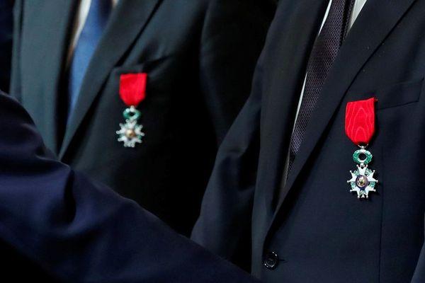Croix de chevalier de la Légion d'honneur.