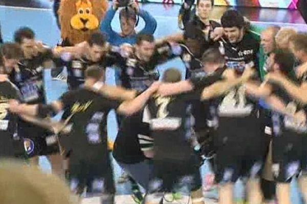 La joie des joueurs de l'USDK vainqueurs de Chambéry.