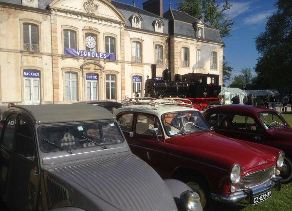 Un rassemblement de véhicules anciens est organisé tous les ans au château de Vignoles, à Beaune