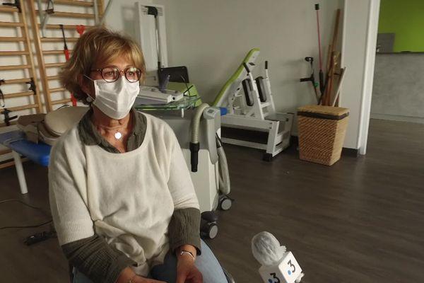 Béatrice Maillot est infirmière libérale. Elle fait face à la solitude de ses patients du Covid rentrés de l'hôpital.