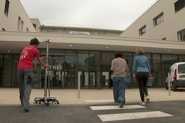 La clinique des Côtes du Rhône à Roussillon (Isère) a déménagé le 24 avril 2021 dans de nouveaux locaux.