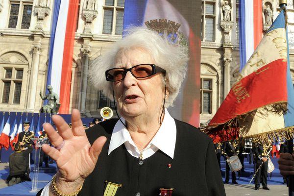Cécile Rol-Tanguy lors du 65e anniversaire de la libération de Paris