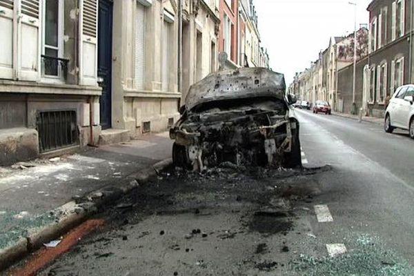 L'incendiaire de voiture condamné à 4 ans de prison ferme.