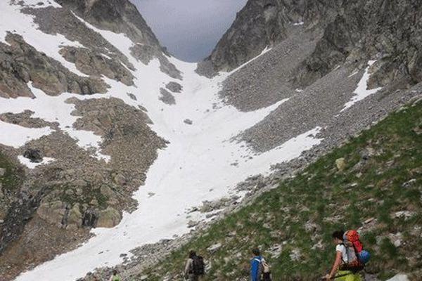 Col d'Arraillé au loin