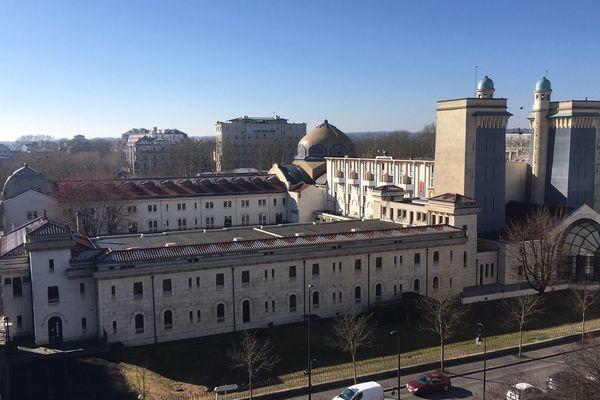 Depuis plusieurs semaines, Vichy est officiellement candidate au patrimoine mondial de l'UNESCO. Mais elle n'est pas seule. Elle fait partie d'un groupe de villes qui ont un point commun majeur : le thermalisme. Les 11 villes doivent déposer leur dossier dès 2020.