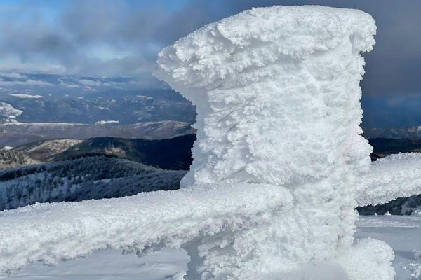 Congère sur le Mont l'Aigoual enneigé le 5 janvier 2021