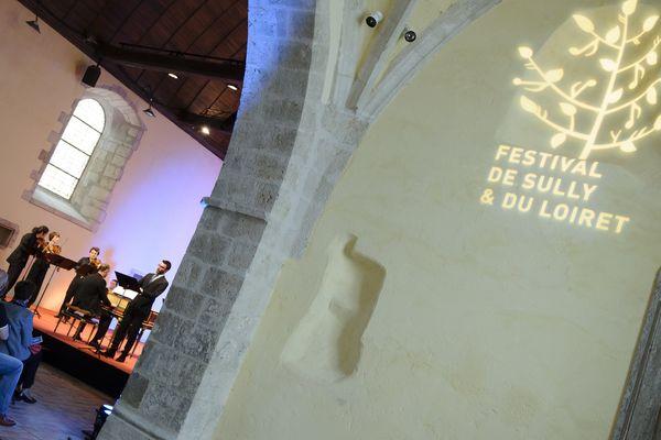 Le festival de Sully et du Loiret accueille des concerts dans des lieux liés au patrimoine.