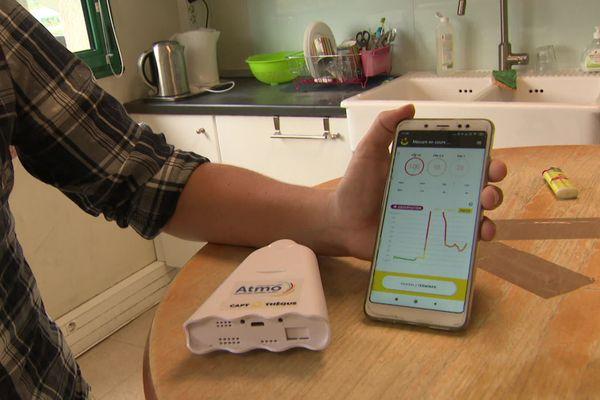 Atmo Auvergne-Rhône-Alpes lance la Captothèque: un service gratuit de prêts de capteurs portables pour mesurer la qualité de l'air et la présence de particules fines directement chez vous.