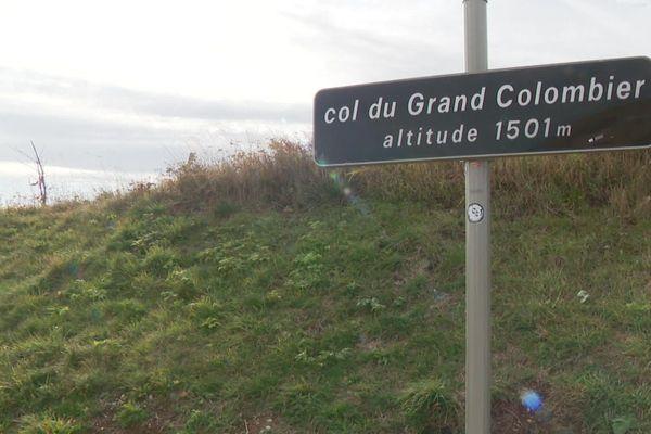 Dans l'Ain, le col du Grand Colombier (1501 m) attend les coureurs du Tour de France, dimanche 13 septembre 2020. Mais les spectateurs resteront finalement en bas sur décision de la préfète, Catherine Sarlandie de La Robertie. Une décision qui fait suite au discours du Premier Ministre. (image archives)