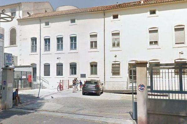 Narbonne (Aude) - les Urgences du centre hospitalier - archives