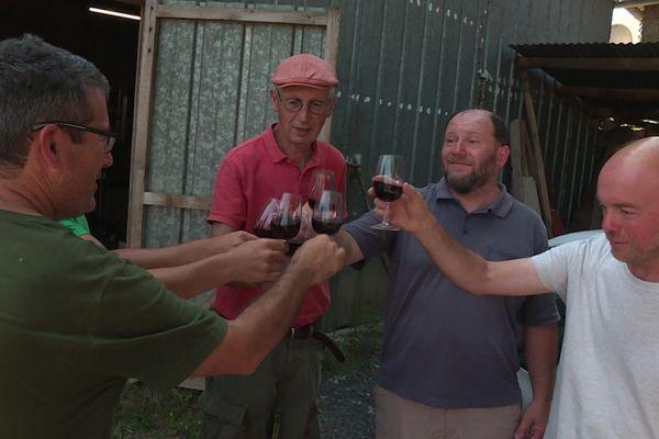 Les premières bouteilles du vin produit à Sainte-Féréole viennent d'être commercialisées.