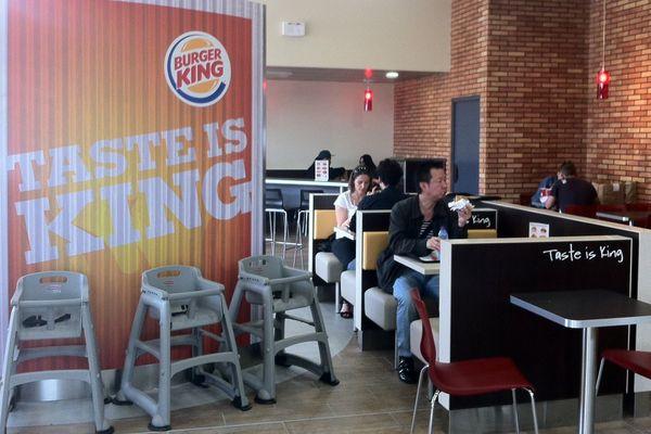 Burger King Reims-Champagne (A4) - 98 places assises et une terrasse de 80 places.