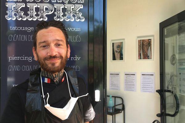 Julien, tatoueur de La Boutique Kipik à Paray-le-Monial