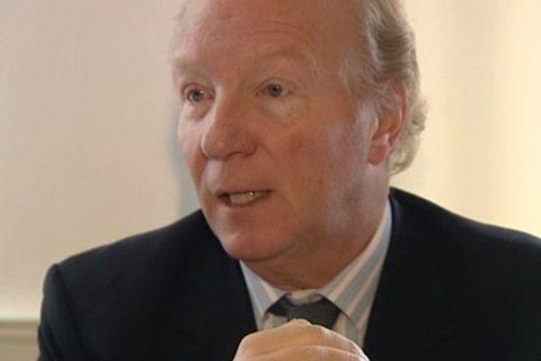 Brice Hortefeux a annoncé le choix des élus auvergnats UMP et apparentés lundi matin, à Clermont-Ferrand.