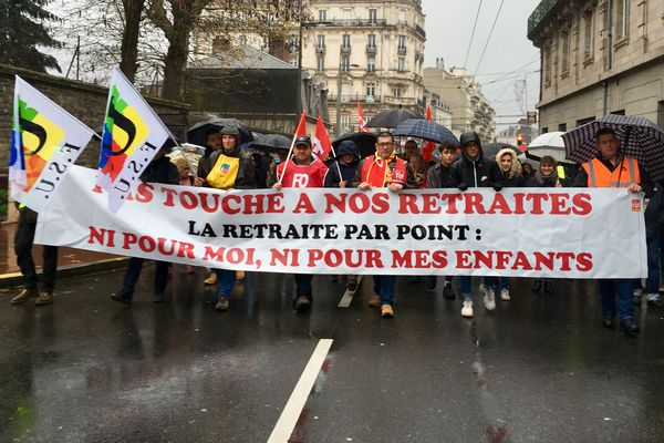ARCHIVES. Manifestation contre la réforme des retraites à Limoges le 7 décembre 2019.