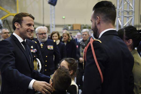 Le 16 janvier 2020. Emmanuel Macron en visite sur la base aérienne de Bricy près d'Orléans. Il est venu présenter ses vœux aux armées.
