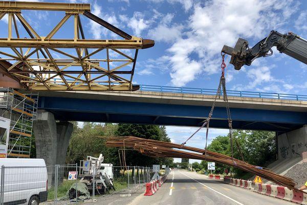 Le viaduc de Varennes en plein chantier à Mâcon, en Saône-et-Loire.