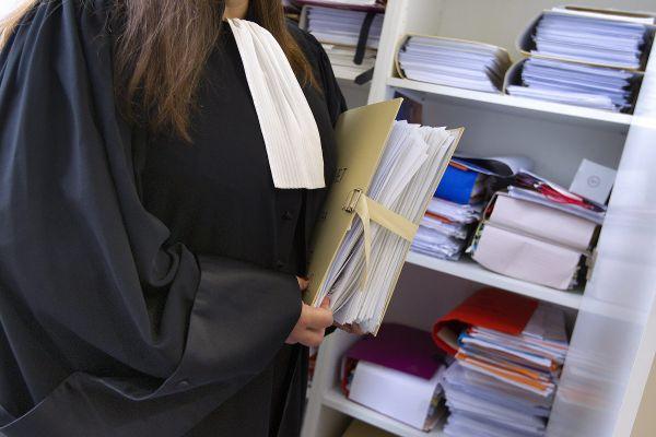 Le dispositif prévoit une permanence de consultations d'avocats sur rendez-vous, le 1er mercredi du mois de 9h à 12h.