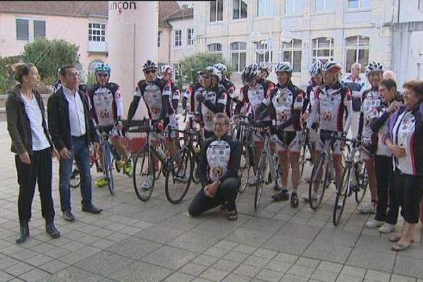 Les cyclistes de la Ronde l'Espoir 2015