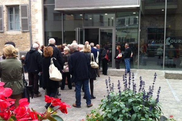 Ces derniers, il fallait être patient pour visiter l'exposition au musée Courbet à Ornans.