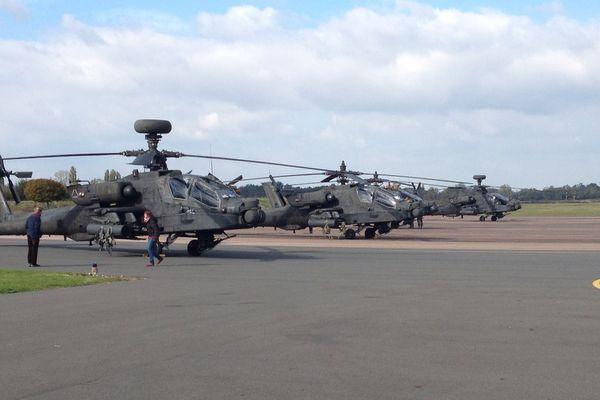 Une dizaine d'hélicoptères de l'Oncle Sam s'est posée sur l'aéroport de Nevers-Fourchambault pour se ravitailler.