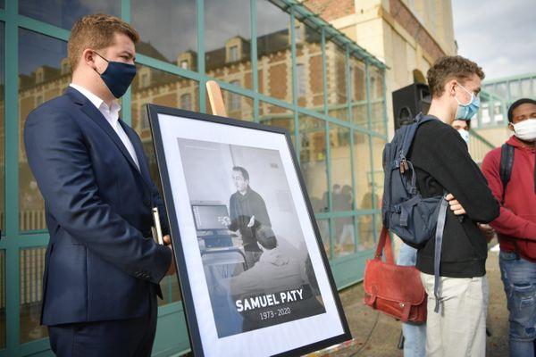 Les hommages à Samuel Paty ont été rendus dans les établissements scolaires lundi 2 novembre.
