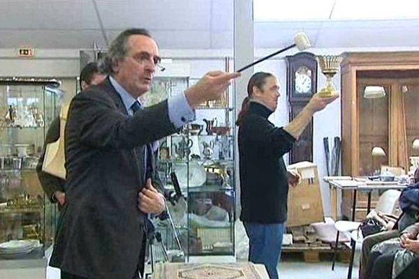 Une vente aux enchères à Bayeux (Calvados)