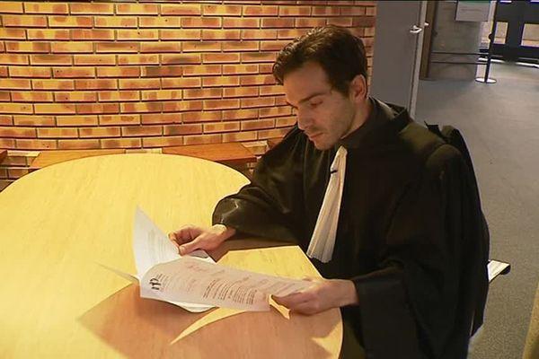 Nicolas Panier, avocat au barreau de Dijon, a déposé 14 plaintes contre X pour des propos homophobes sur internet