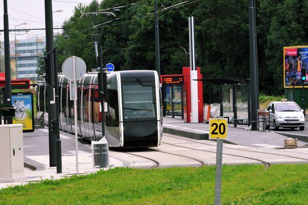 Le tramway à Tours.