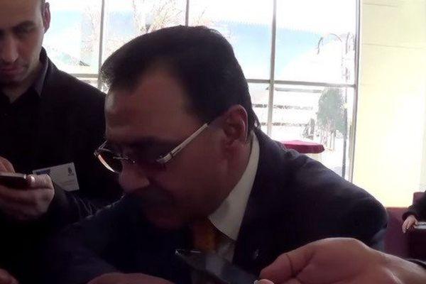 Hafiz Mammadov répondant aux questions des journalistes vendredi dernier à Bakou.
