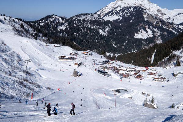 Suite aux annonces du gouvernement, le domaine skiable Franco-suisse des Portes du Soleil en partie situé en Haute-Savoie ne sait pas encore comment il va s'organiser.